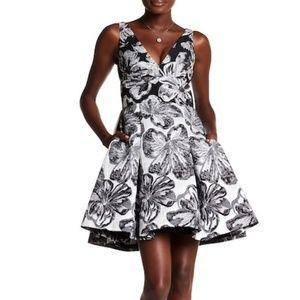 Vera Wang Cocktail Dress ✔️It Has Pockets❗️❗️❗️